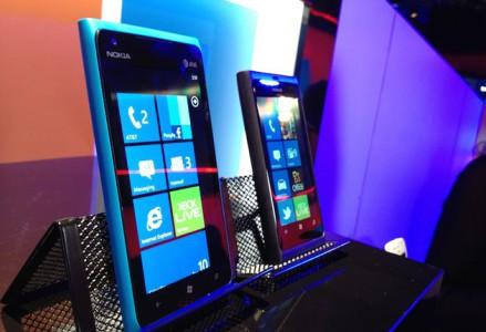 Le match : Nokia Lumia 800 ou Lumia 900 ?