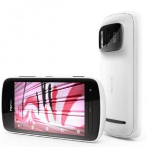 Voir la fiche du Nokia 808 PureView