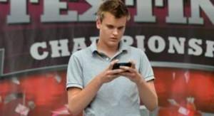 Vous aussi, vous êtes champion de textos ? Comparez les forfaits avec SMS illimités !