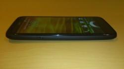 HTC One X+ côté gauche
