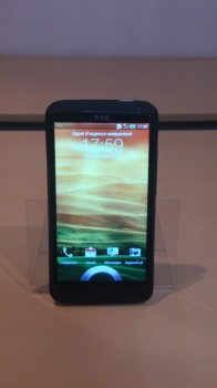 HTC One X+ de face