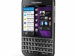 Le BlackBerry Q10 arrive en France