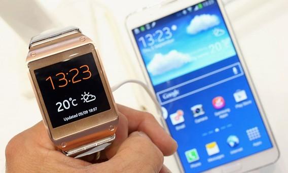 Samsung Galaxy S4 galaxy gear