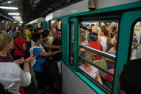 métro bondé 2