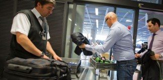 Les mobiles déchargés interdits dans les avions vers les Etats-Unis