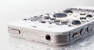Un spray à 30€ pour rendre son smartphone imperméable