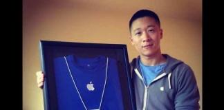 Sam Sung vend sa carte d'employé d'Apple pour la bonne cause