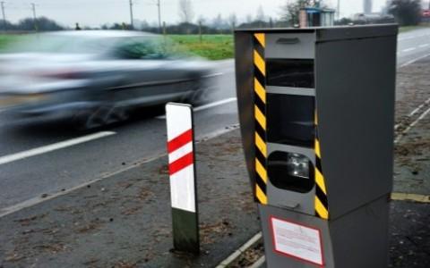 Police : un radar pour capter les appels téléphonique au volant