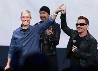 Ce n'est pas la première fois que U2 associe son image à Apple. Il y a dix ans déjà, la bande à Bono se produisait au Flint Center, tandis que la firme commercialisait un iPod aux couleurs de leur album de l'époque, How To Dismantle An Atomic Bomb (qui contenait les tubes Vertigo et City Of Blinding Lights)