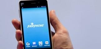 fairphone dans une main