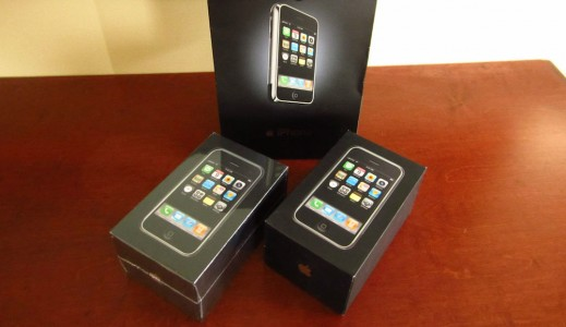 Deux iPhone premi�re g�n�ration en vente � 25 000$ sur Ebay !