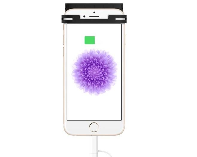 iphone 6 l 39 accessoire qui va faire tripler son autonomie. Black Bedroom Furniture Sets. Home Design Ideas