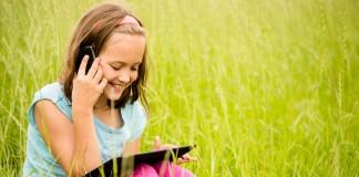 enfant smartphones apple et samsung
