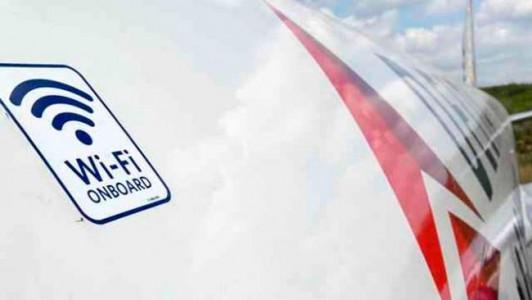 Le Wifi dans les avions, pratique mais dangereux ?