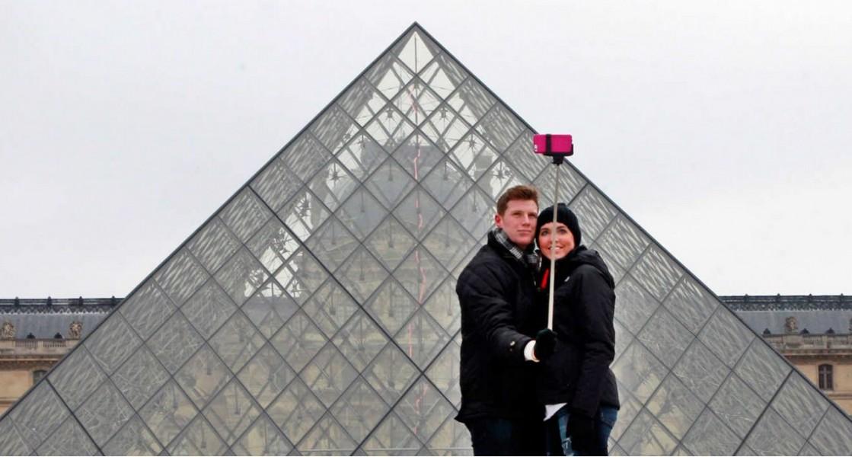 perche a selfie louvre