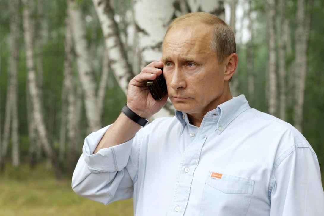 Vladimir Poutine n'a pas de smartphone, et le revendique fièrement