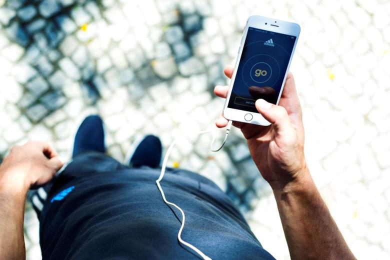 adidas go l 39 application qui vous fera courir en musique meilleur mobile. Black Bedroom Furniture Sets. Home Design Ideas
