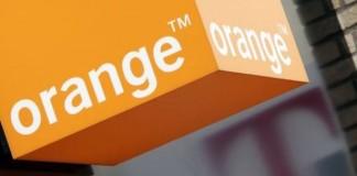Grâce à Orange, il est possible de changer de fournisseur d'accès à internet en conservant gratuitement ses numéros de téléphones et donc, sans coupure.