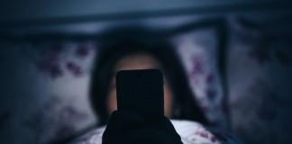 Ce n'est pas bien d'utiliser son téléphone avant de dormir