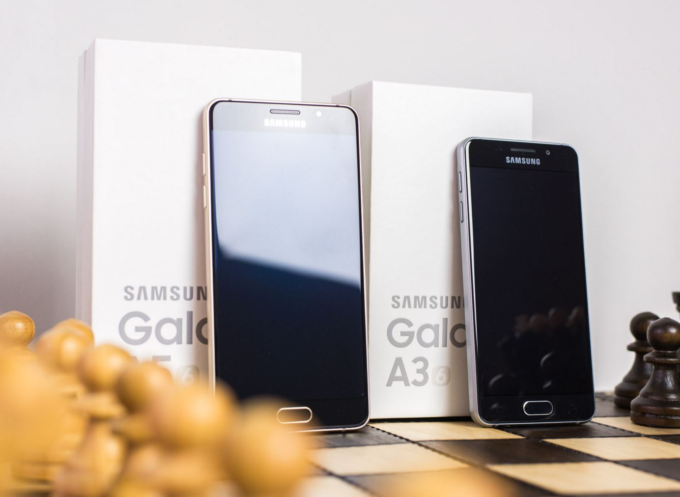 samsung galaxy a5 vs a3 2016 le comparatif meilleur mobile. Black Bedroom Furniture Sets. Home Design Ideas