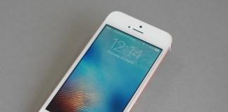 iPhone SE fond gris