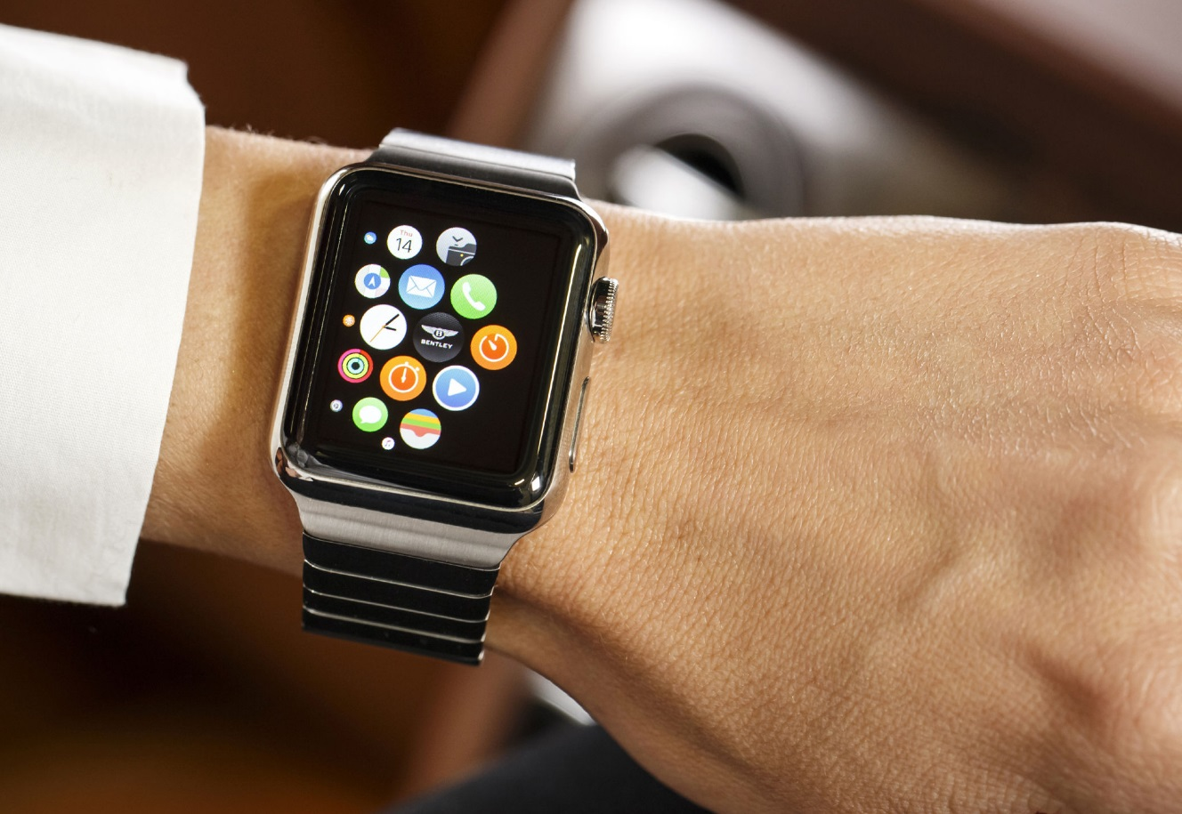 apple watch une baisse des prix relance ses ventes meilleur mobile. Black Bedroom Furniture Sets. Home Design Ideas