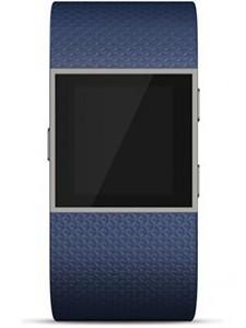 montre fitbit surge s bleu 385 1 225x300 - Quelle smartwatch FitBit acheter en 2018 ?