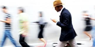 smartphone walk text
