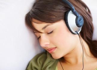 Adolescente musique casque