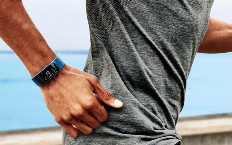 Quel bracelet connecté avec écran tactile acheter ? (Samsung Gear Fit 2)