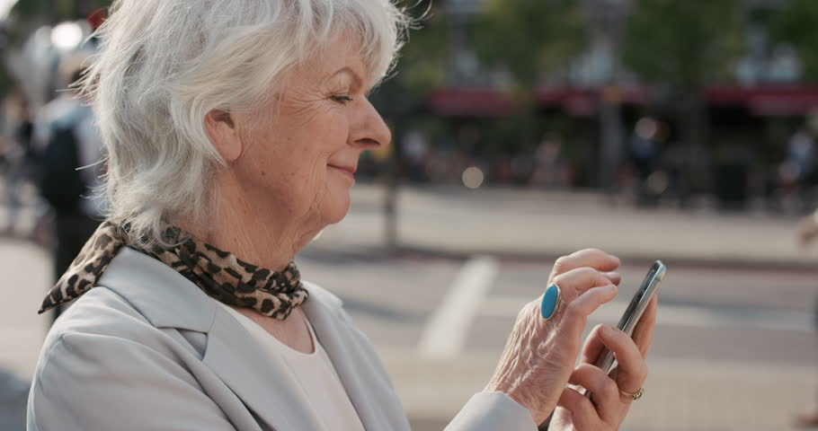 Top 5 des téléphones pour seniors à acheter en 2017