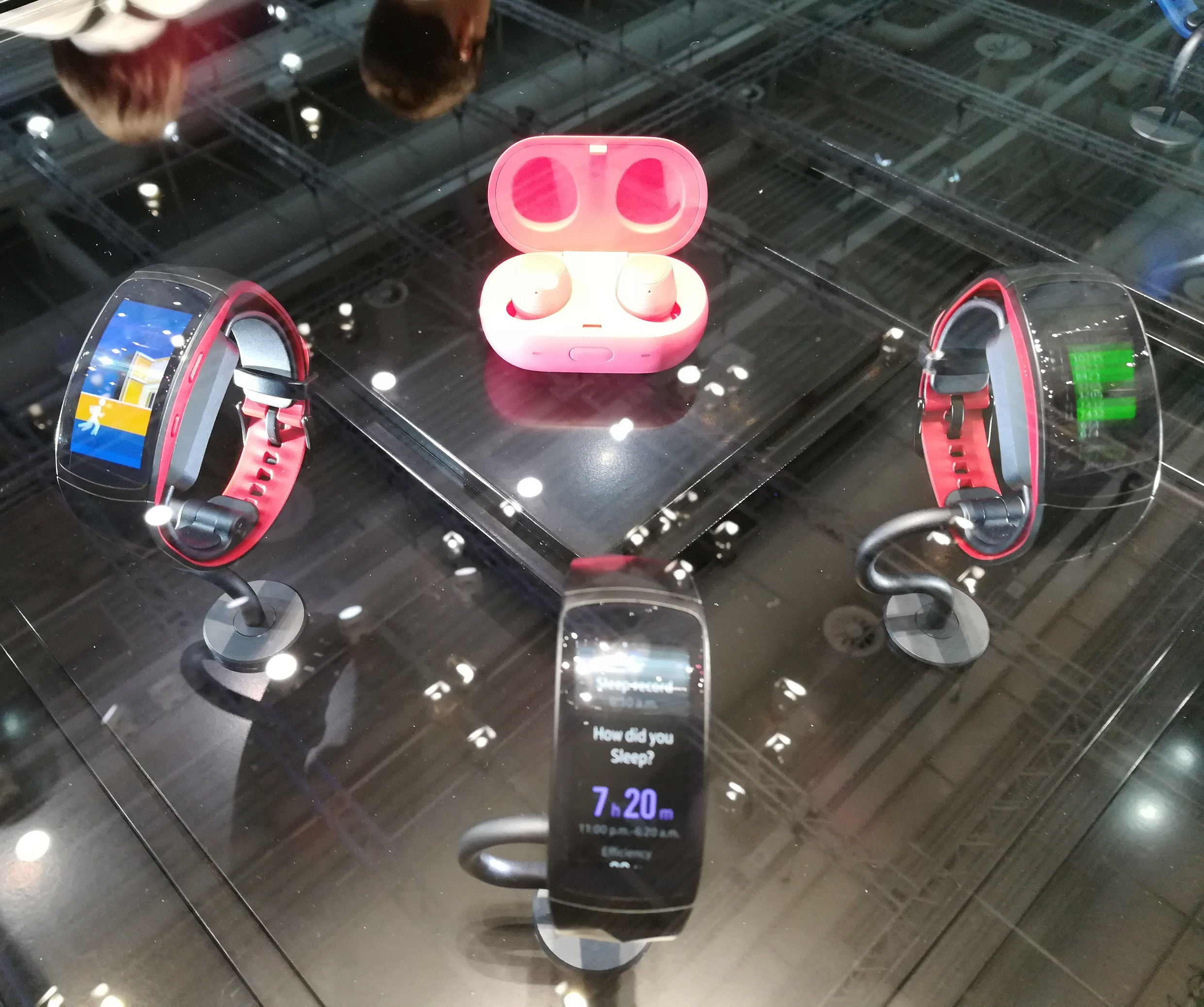 Samsung Gear Fit 2 Pro et Gear IconX