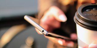 Utilisateur d'un smartphone
