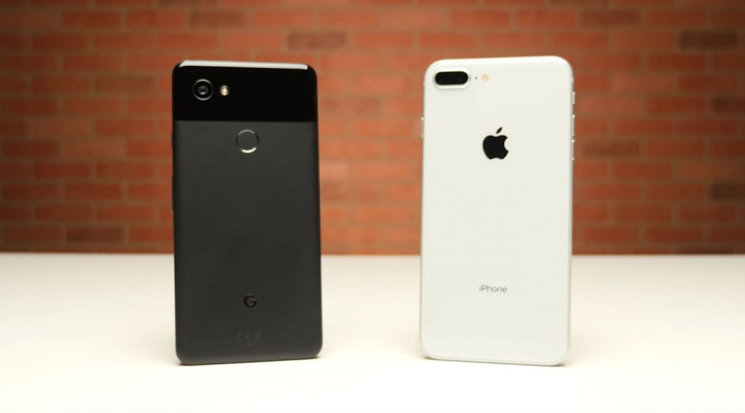 google pixel 2 xl vs iphone 8 plus quel est le plus rapide meilleur mobile. Black Bedroom Furniture Sets. Home Design Ideas