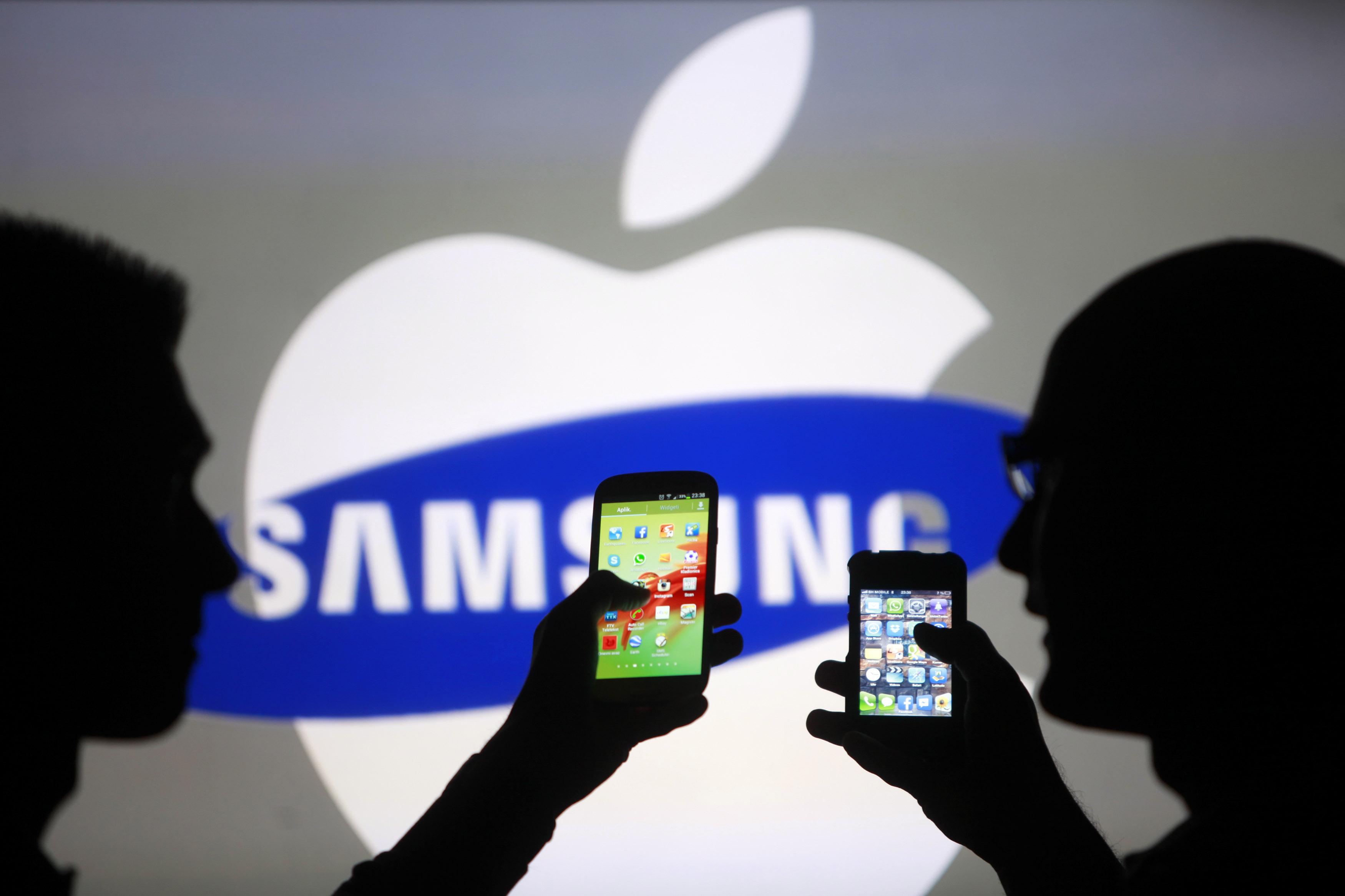 Selon un sondage, les femmes préfèrent iPhone XS et les hommes penchent vers le Galaxy S10