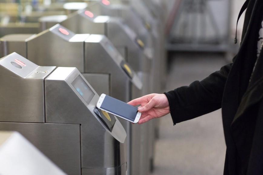 La fin des tickets de métro en 2021 avec le pass Navigo sur smartphone