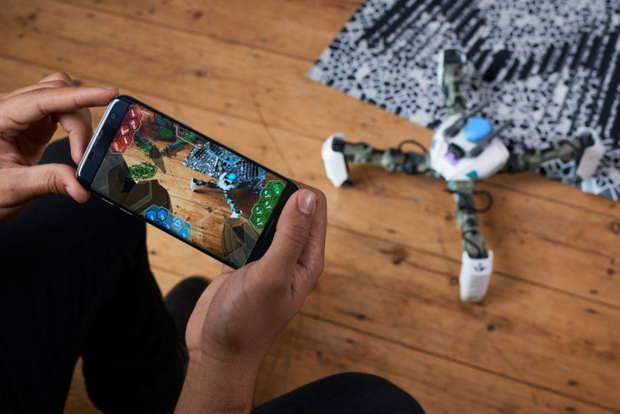 Mekamon robot smartphone réalité augmentée