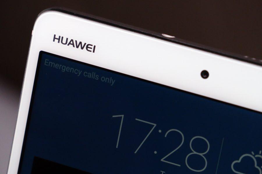 Huawei MediaPad M3 1369 900x600 - Huawei : le MediaPad M5 présenté pour le CES 2018 ?