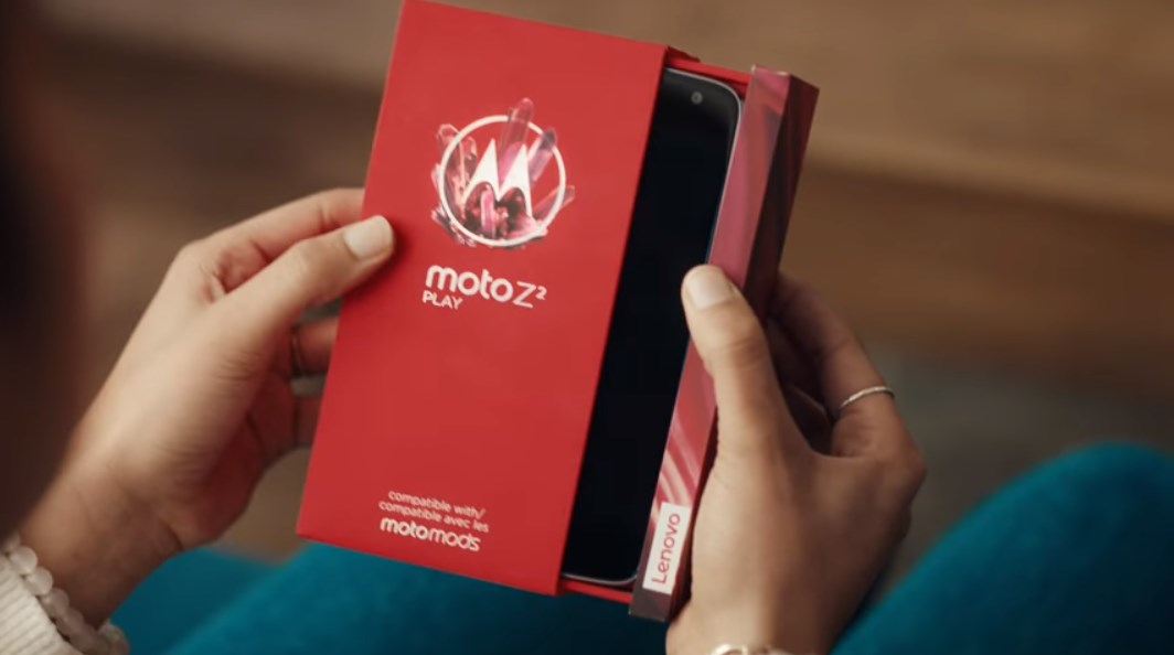 Motorola Moto Z2 Play Samsung Apple Galaxy Note 8 iPhone X