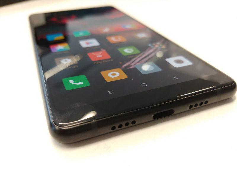 Xiaomi Mi Mix 2 iPhone X Apple