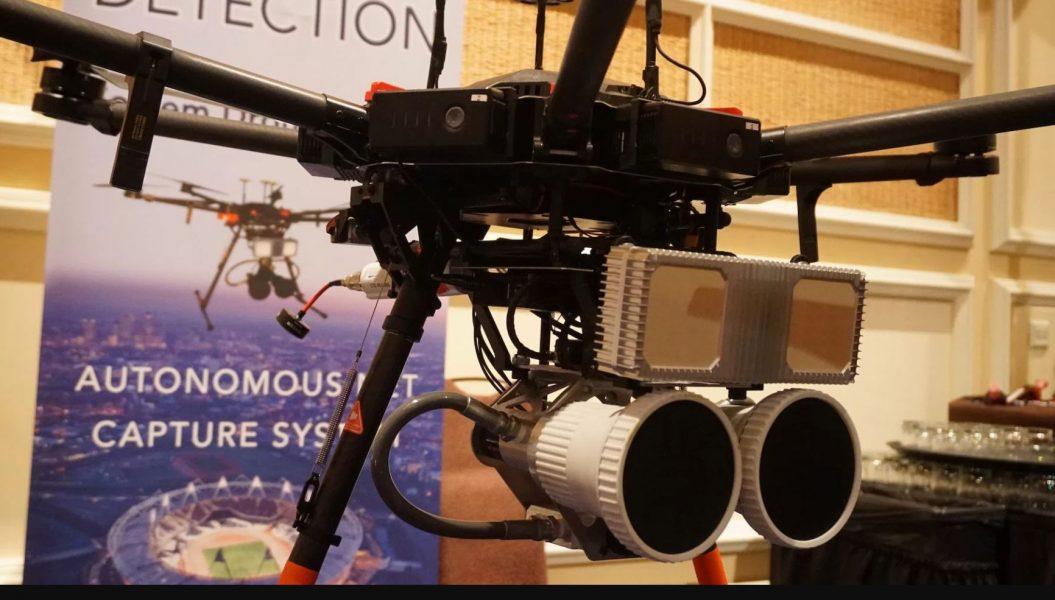 ces 2018 un drone radar trueview pour d tecter et chasser d autres drones meilleur mobile. Black Bedroom Furniture Sets. Home Design Ideas