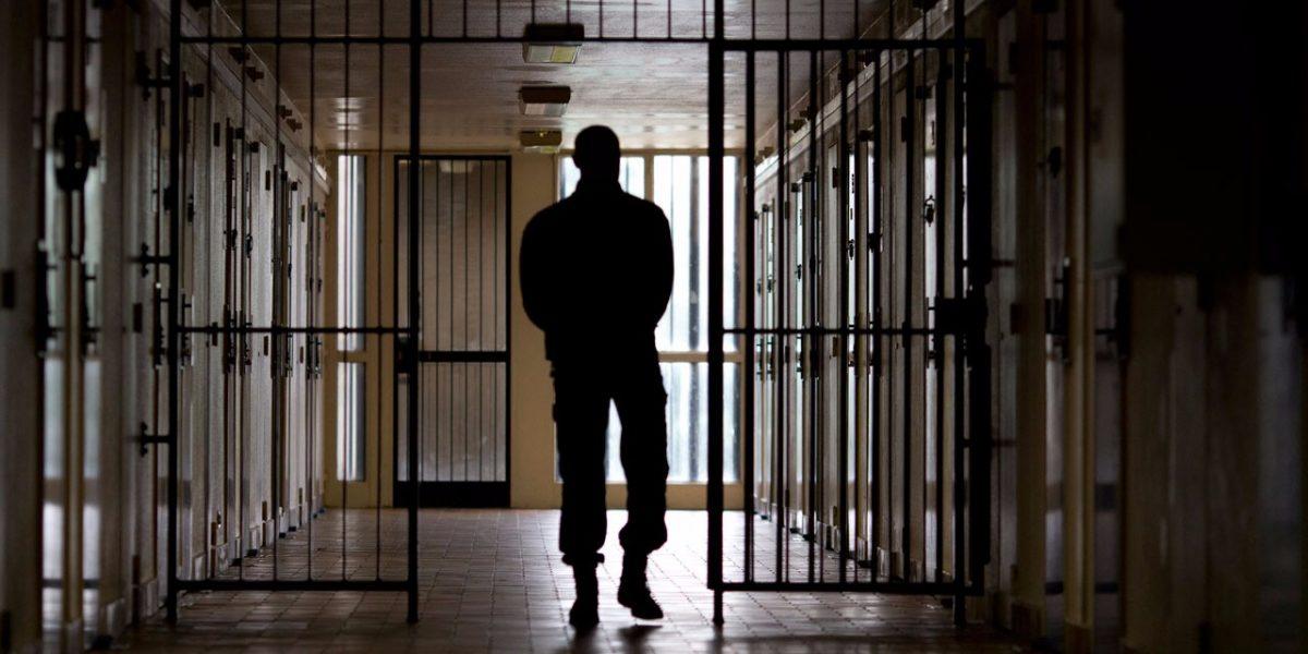 Prisons téléphone