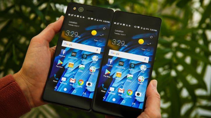 ZTE Axon M smartphone pliable