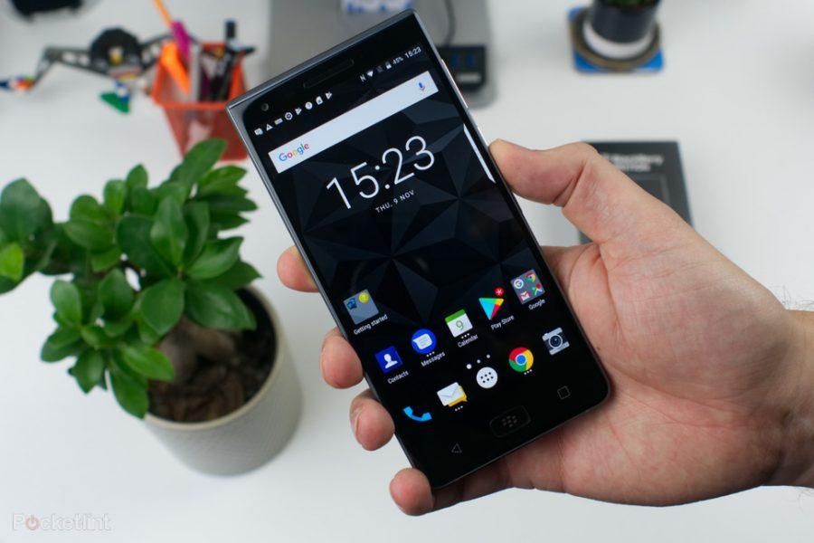 ces 2018 blackberry revient en 2018 avec deux smartphones avec clavier physique meilleur mobile. Black Bedroom Furniture Sets. Home Design Ideas