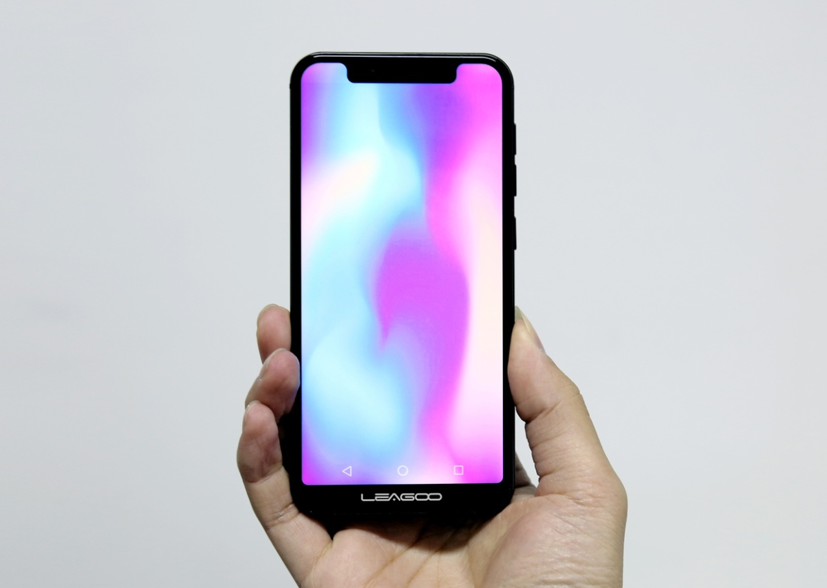 Leagoo S9 : le clone de l' iPhone X a été présenté au MWC 2018 !