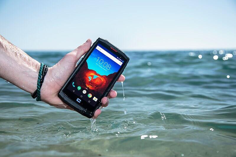 Guide d'achat : les smartphones les plus solides