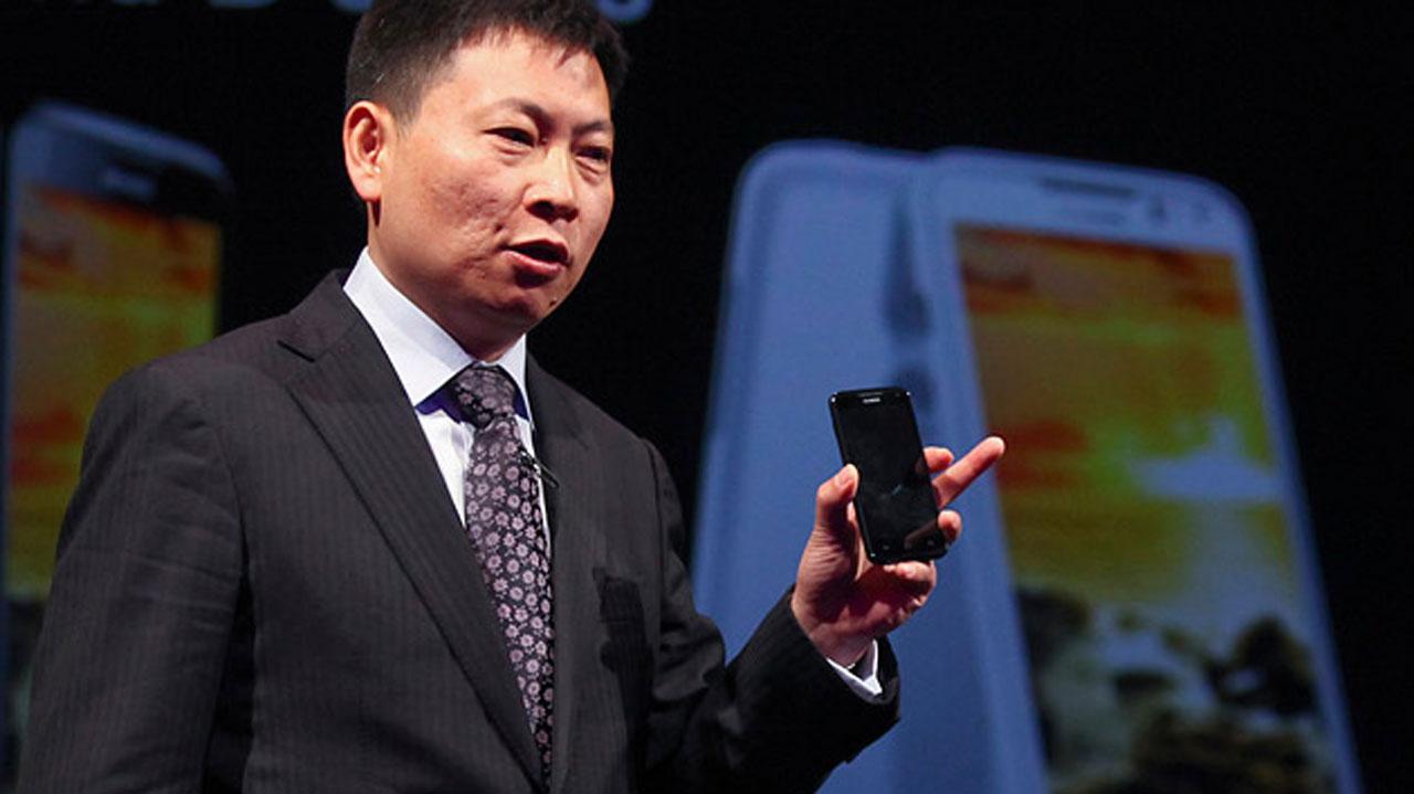 Huawei : le PDG accuse ses concurrents d'influencer les politiques sur ses smartphones