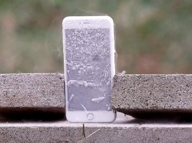 Attention ! l'iPhone ne résiste pas très bien au froid…
