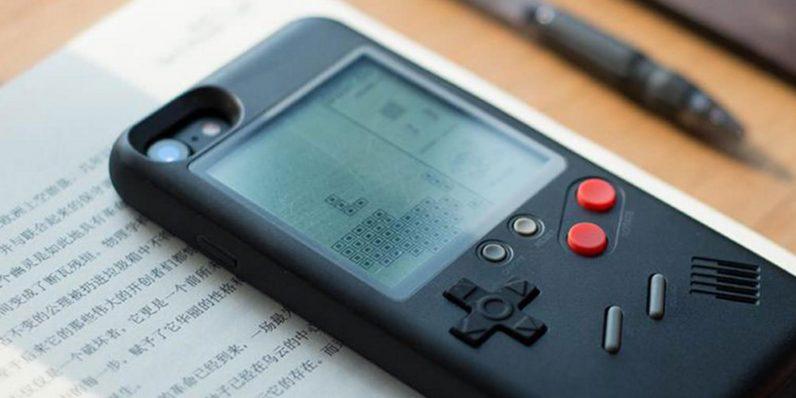 Et si votre coque d'iPhone devenait une Gameboy rétro ?