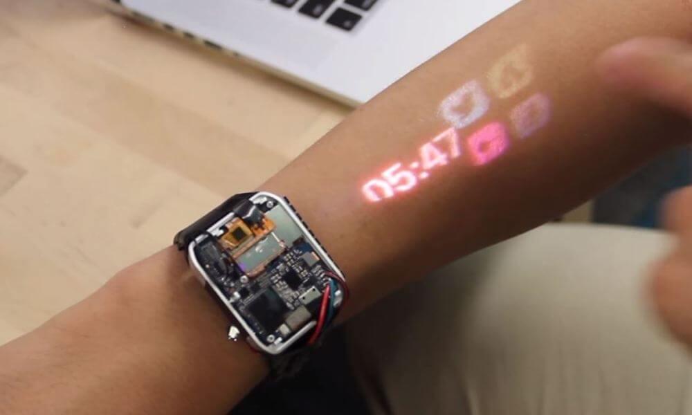 LumiWatch : quelle est cette montre connectée qui transforme l'avant-bras en écran tactile ?